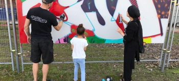 Buurtkinderen en kunstenaars maken graffitikunst in Hogekwartier - Amersfoort Vernieuwt