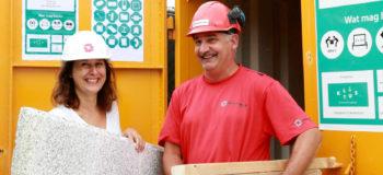 Bouwkringloopcontainer Hogekwartier geopend door wethouder Fatma Koşer Kaya